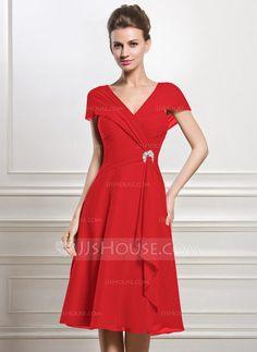 A-Linie Princess-Linie V-Ausschnitt Knielang Chiffon Kleid für die  Brautmutter mit Perlstickerei Pailletten Gestufte Rüschen (008056884) c374af3106