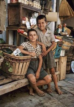 40 έγχρωμες φωτογραφίες που μας μεταφέρουν πίσω στο χρόνο σε μια άλλη Ελλάδα - Τι λες τώρα;