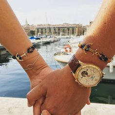 Travel the world together with style. Free shipping using promo code WORLDWIDE when purchasing more than one bracelet. Find all models at www.thetomhope.com. Photo by @hitchensbawa. #tomhope