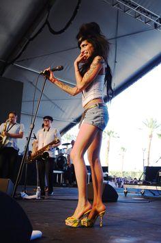 Amy Winehouse in Zap Pow shoe