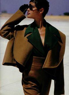 L'Officiel France, 1989 Photographer : Hiromasa Model : Nadege du Bospertus