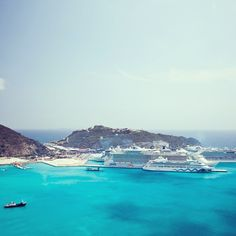 Cruise ships in St. Maarten