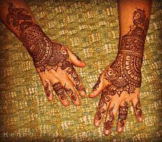 henna hands - 50 Intricate Henna Tattoo Designs  <3 <3