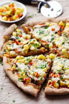 Sweet Chili Garlic Chicken Pizza - loaded with flavor and color! SO good. 250 calories. | pinchofyum.com #pizza #spicy #chicken