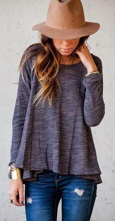 Casual sweatshirt, ripped jeans, boho hat fashion