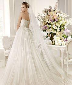 MONZON » Wedding Dresses » 2013 Glamour Collection » La Sposa (back)