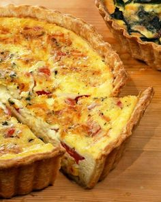 Corn and Tomato Quiche Show off summer produce at its height for your next brunch get-together. Creme fraiche adds a creamy tang to this quiche. Basic Quiche Recipe, Quiche Recipes, Brunch Recipes, Chard Recipes, Quiche Lorraine Recipe, Basic Recipe, Brunch Ideas, Breakfast Quiche, Meat Recipes