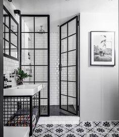 Inspiration de salle de bain | Fayola Decor - Poursuivez vos rêves avec une maison scandinave parfaite avec ces designs d'inspiration nordique inspirants.  #decor #fayola #inspiration #maison