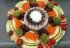 Fruit plate dip parties 61 Ideas for 2019 Fruit Dishes, Fruit Snacks, Fruits Decoration, Healthy Cream Cheese, Fruit Plate, Fruit Arrangements, Veggie Tray, Food Platters, Tea Sandwiches