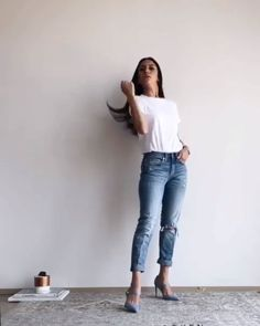 chic jean outfit ideas jean high heels white t-shirt outfit idea White Heels Outfit, Casual Heels Outfit, White Tshirt Outfit, Dressy Casual Outfits, Heels Outfits, Stylish Outfits, Dressy Jeans Outfit, Casual Jeans, Fashion Outfits