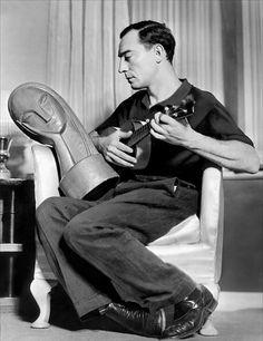 Buster Keaton serenade