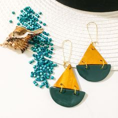 Φτιαγμένα από πολυμερικο πηλό σε σχήμα καραβάκι. μοντερνα ,μοναδικά υπέροχα για όλες τις ώρες. Drop Earrings, Jewelry, Jewlery, Jewerly, Schmuck, Drop Earring, Jewels, Jewelery, Fine Jewelry