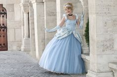 Disney´s Animation Movies: Cinderella. Character: Ella: Version. Ball Gown. Cosplayer: Laura Salviani 'aka' Nikita 'aka' Tomoyochan. From: Nimes, Paris, France. Events: Otakufest (Belgium) 2012 & Japan Expo 2012 & 2014. Photo: Omaru
