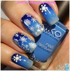 Nail Art Stamping Mania: Snowflakes Manicure with Christmas Nail Art Decoration and QA Plate