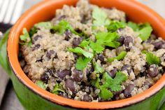 Salát z quinoi a černých fazolí   proč konzumovat quinou