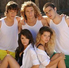 Amoooo ♥♥♥ Angel Show, Rachel Berry, Series Movies, Celebs, Celebrities, Hair Humor, Pretty Little Liars, Nostalgia, Tv Shows