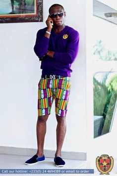 I suggest a tank instead of this bulky sweater with skinny shorts. Beautiful sweater color but too bulky #AfricanFashion