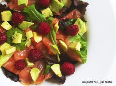 Smoked Salmon, Avocado & Raspberry Salad, by Aujourd'hui, j'ai testé