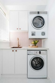 Laundry Design Idea Layout tip: When dealing with limited spaces, stack your dryer on top of the washing machine. Laundry Bathroom Combo, Laundry Cupboard, Pink Laundry Rooms, Laundry Nook, Modern Laundry Rooms, Laundry Room Layouts, Laundry Room Organization, Bathroom Small, Organization Ideas
