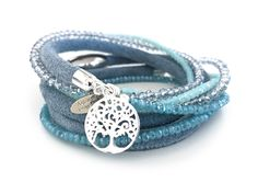 Armband brillant caribic von anke decker creative jewelry. Flippiges Lederarmband mit funkelnden Glasschliffperlen in Blau. We Love, Summerfeeling!