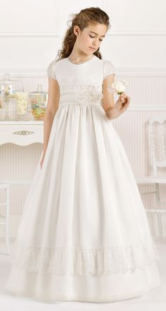 0fc4b17d479 A-Line Long Floral Short-Sleeve Scoop-Neck Satin Flower Girl Dress With Lace
