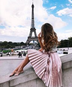 Retro Fashion Stylish girl skirt,shirt - Stylish girl skirt,shirt Size:S,M,L S:waist bouncy) M:waist 70 cm(have bouncy) L:waist 76 cm(have bouncy) Delivery times: Processing time: working days Shipping time: working days Paris Outfits, Mode Outfits, Casual Outfits, Dress Casual, France Outfits, Dress Formal, Dress Long, Paris Fashion, Retro Fashion