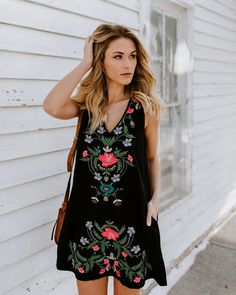 Floral Notion Pocketed Embroidered Dress