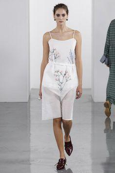 Ports 1961 Spring 2018 Ready-to-Wear Collection - Vogue Подиумная Мода,  Модные a0b7ef09d16