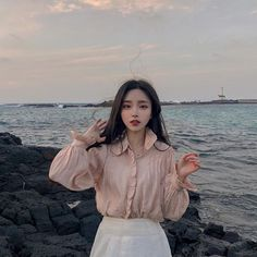 She looks like a fairy 🧚‍♀️ Pretty Korean Girls, Cute Korean Girl, Cute Asian Girls, Mode Ulzzang, Ulzzang Korean Girl, Korean Beauty, Asian Beauty, Girl Pictures, Girl Photos