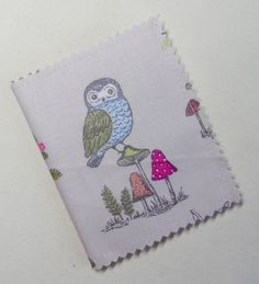 Handmade Needle Book/Case. Cotton fabric with an owl print. 10x8.5 cm.