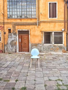 Let's visit together my favourite places in Venice, Venice best osteria and other unusual places with the project #styleyourcity: take note! ITALIANBARK blog #venice #venezia #calligaris #colours #wallcolours #chairs