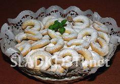 Pudinkové rohlíčky vanilkové Czech Recipes, Holiday Cookies, Stuffed Mushrooms, Pie, Vegetables, Desserts, Czech Food, Business, Stuff Mushrooms