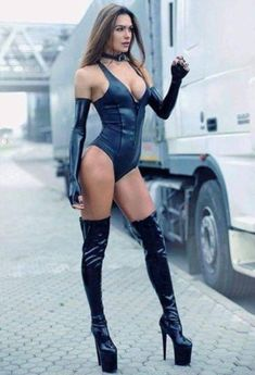Pernas Sexy, Tumbrl Girls, Sexy Latex, Sexy Boots, High Boots, Sexy Legs, Gorgeous Women, Sexy Lingerie, Sexy Women