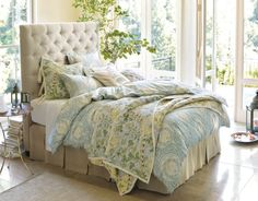 bedroom- LOVE this bed and bedding