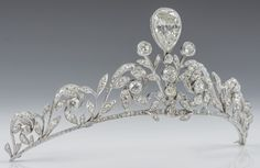 Lannoy family of Luxembourg diamond tiara. The tiara is composed of 270 old-cut brilliants set in platinum, with a diamond in an inverted pear shape superimposed in the centre. The tiara was made by Altenloh in Brussels Royal Crowns, Royal Tiaras, Crown Royal, Tiaras And Crowns, Antique Jewelry, Vintage Jewelry, Diamond Tiara, Royal Jewelry, Circlet