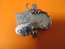 VINTAGE MOM CAT SILVER TONE, 3 TONE, + CATS FIGURINE TYPE BROOCH PIN KITTENS WOW