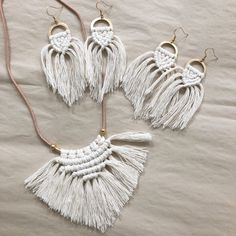 My second post today. 😉 Wedding season is basically finished here in AZ but it's just gearing up for everyone else… Macrame Colar, Macrame Earrings, Macrame Art, Macrame Projects, Macrame Jewelry, Beaded Choker, Diy Earrings, Jewelry Crafts, Handmade Jewelry