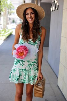 Summer Outfit: Leaf Print Dress + Sun Hat + Brown Sandals