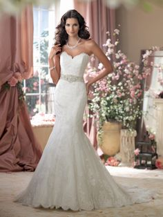 Looking for glamorous wedding dresses? David Tutera at Mon Cheri has your perfect style