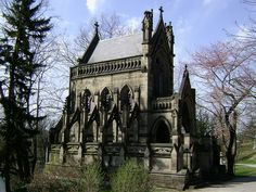 Cincinnati, OH James Keys Wilson architect Dexter Family Mausoleum Abandoned Castles, Abandoned Mansions, Abandoned Houses, Abandoned Places, Old Houses, Spring Grove Cemetery, Spooky House, Cemetery Art, Religious Icons