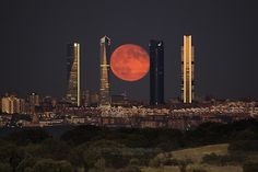 Landture: Summer Moon I By Jccortina