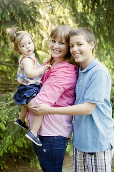 outdoor family picture ideas. family picture ideas. fort wayne indiana photographer