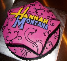 Hannah Montana Cake 8th Birthday, Birthday Ideas, Birthday Cake, Hannah Montana, Cake Ideas, Cake Recipes, Cupcakes, Party Ideas, Celebrity