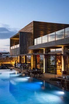 Noah Surf House, San