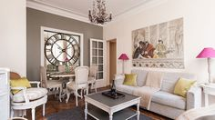 Rent our 1 bedroom Eiffel Tower apartment Côte de Beaune an extraordinary apartment with direct views of the Eiffel Tower and magnificent, light-filled rooms.