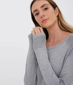 Suéter Liso com Decote Redondo Cinza Sweaters, Fashion, Men Sweater, Grey, Neckline, Green, Moda, Pullover, Sweater