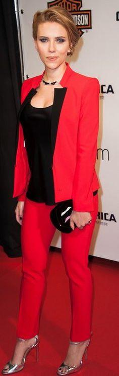 Scarlett Johansson: Jacket and pants- Michael Kors Shoes – Schutz Necklace – Van Cleef & Arpels