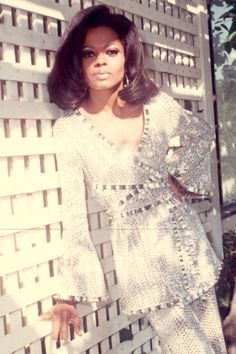 In honor of Diana Ross birthday take a look through her most glamourous moments: Diva Fashion, 70s Fashion, Vintage Fashion, Fashion Design, Fashion Trends, Vintage Black Glamour, Vintage Beauty, Vintage Style, Beautiful Black Women