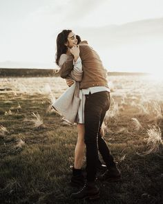 Looks nothing like them but Alston and Leanna after Elckart. Couple Picture Poses, Photo Couple, Cute Couple Pictures, Couple Posing, Couple Shoot, Cute Couples Cuddling, Couples In Love, Couple Photography, Engagement Photography