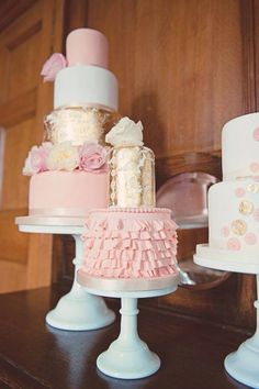 Pale pink and gold cakes!